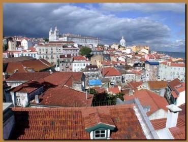 Quartiere Alfama Lisbona